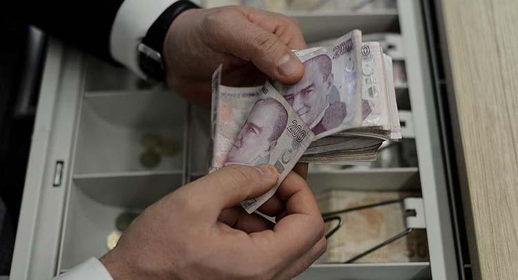 Veznedar bankadan aldığı 2 milyon lirayla kayıplara karıştı