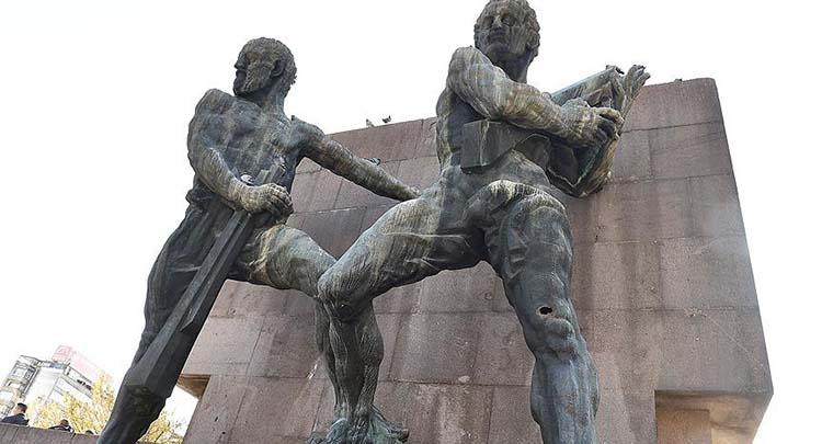 Güven Anıtı'ndaki kurşun izleri kapatılacak