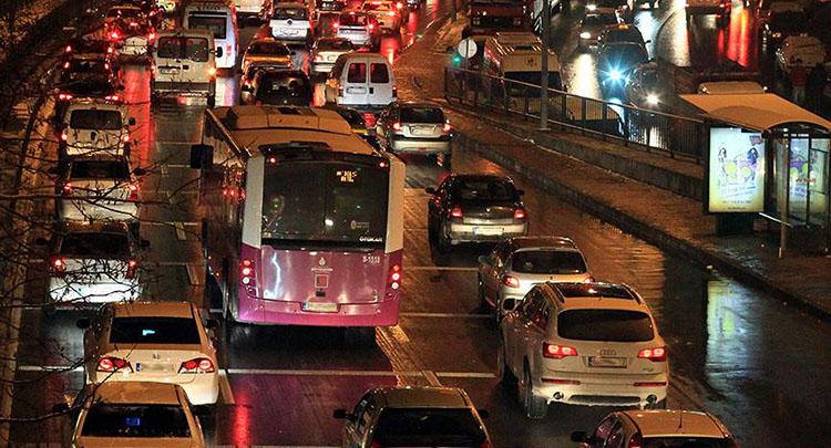 İETT'nin kadın yolculara özel gece düzenlemesi