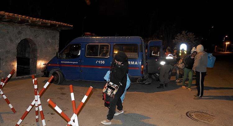 Kırklareli'nde 135 kaçak ve sığınmacı yakalandı