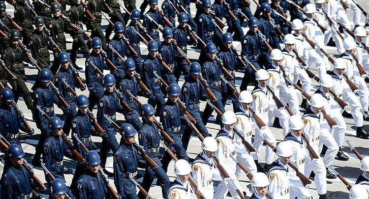 Yeni KHK ile TSK'dan bin 988 Emniyet'ten 7 bin 586 personel ihraç edildi