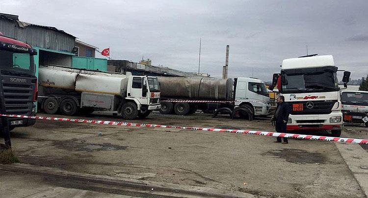 İstanbul'da akaryakıt tankerinde patlama: 1 ölü