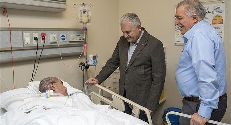 Başbakan Yıldırım 15 Temmuz gazisini ziyaret etti