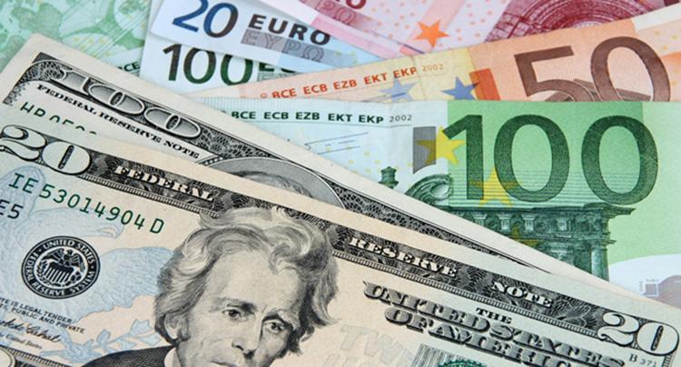 Dolar ve avro tüm zamanların rekorunu kırdı