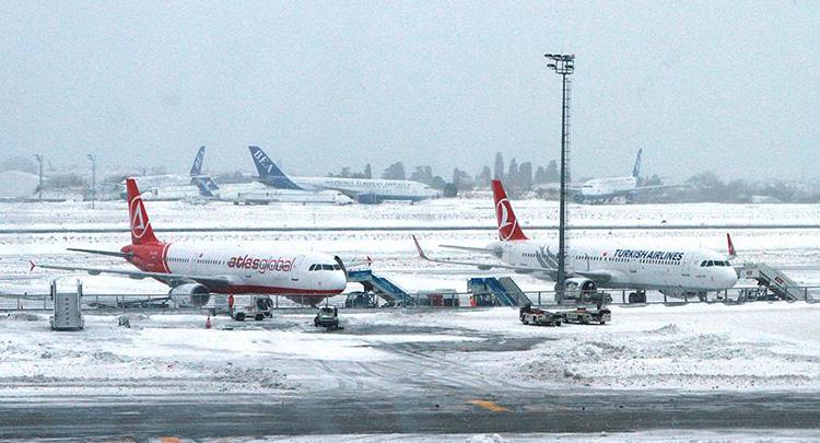 Atatürk Havalimanı'nda seferler yeniden başladı