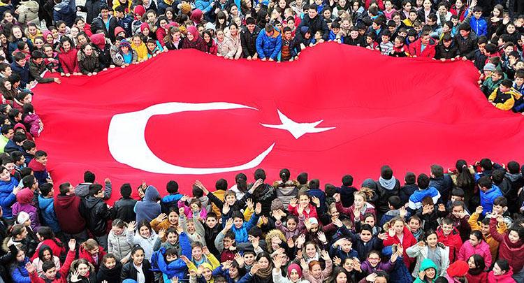 Küçük yürekler Mehmetçik için attı