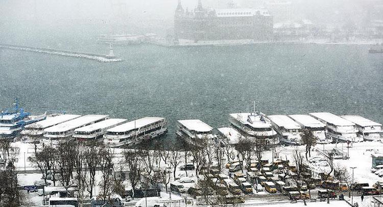 İstanbul'da kar ve sağanak bereketi!