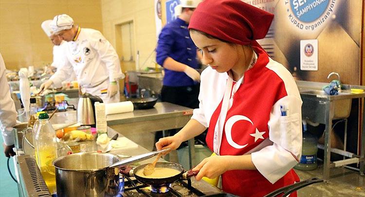 'Dışarıda yemek yeme kültürü Anadolu mutfağını unutturuyor'