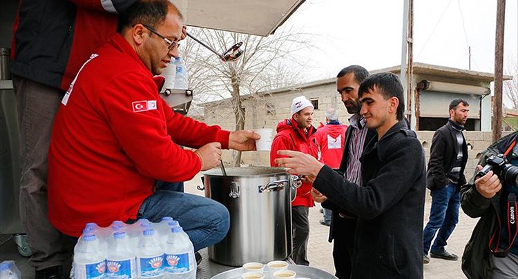 Adıyaman'da günde 6 bin depremzede ve çalışana yemek dağıtılıyor