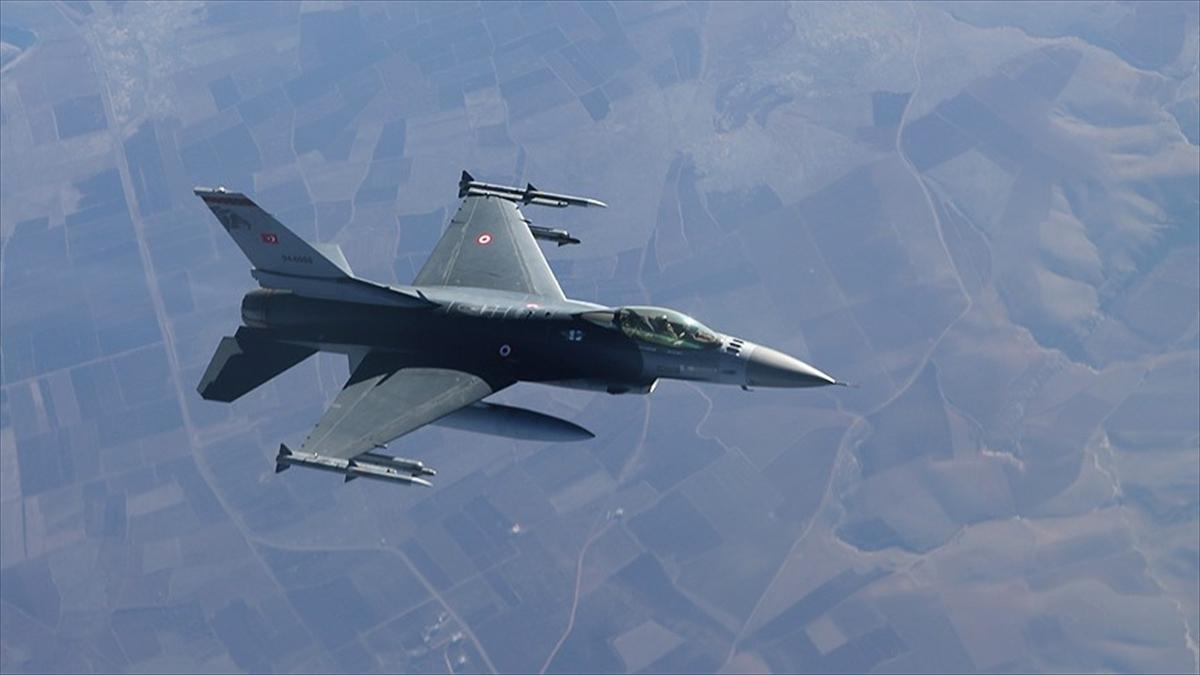 TSK'dan Irak'ın kuzeyindeki PKK kamplarına hava harekatı