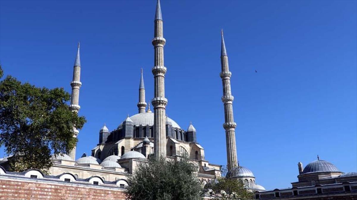 Selimiye Camisi'nin silüetini bozan yapılara izin yok