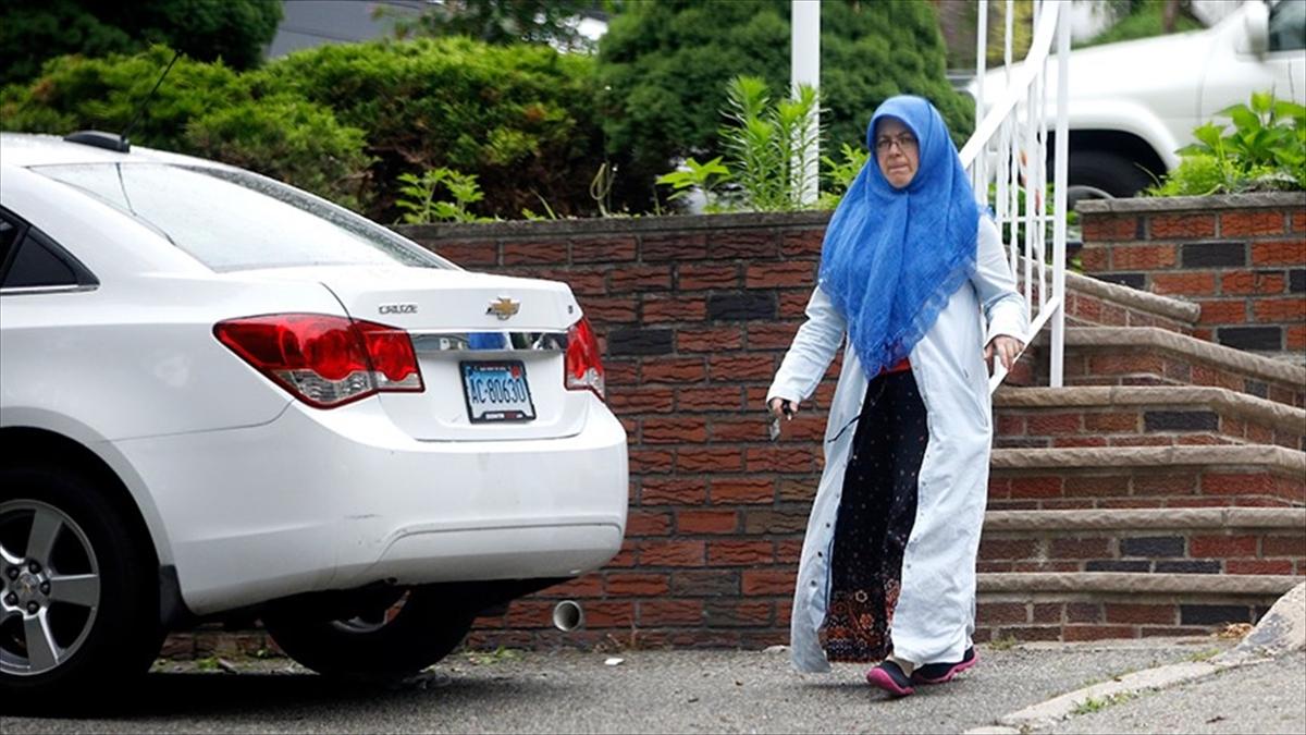 Adil Öksüz'ün eşi ABD'de görüntülendi