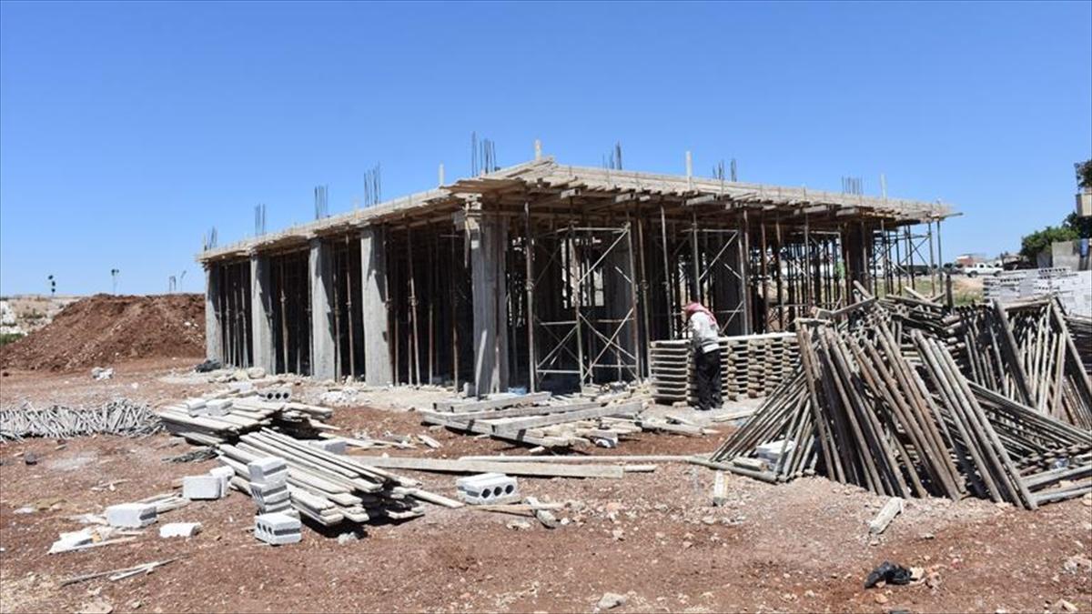 Fırat Kalkanı bölgesi inşaatla kalkınıyor