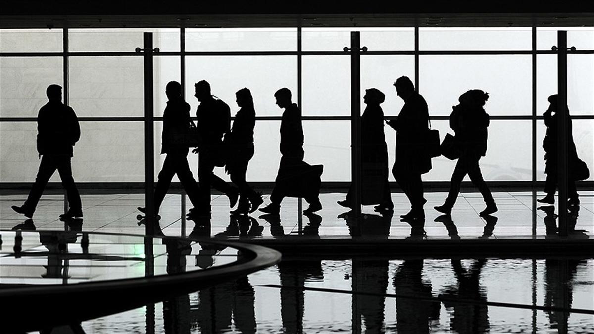 İstanbul ve Antalya'nın hava yolcusu Türkiye nüfusunu geçti