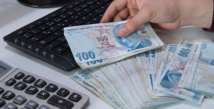 Üç kamu bankası taşıt kredi faizini düşürdü
