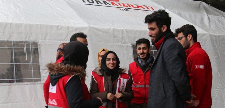 Deprem bölgesinde yaraların sarılması için devlet seferber oldu