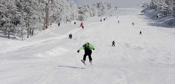 Murat Dağı'nda kayak yapmayı öğrenmek bedava