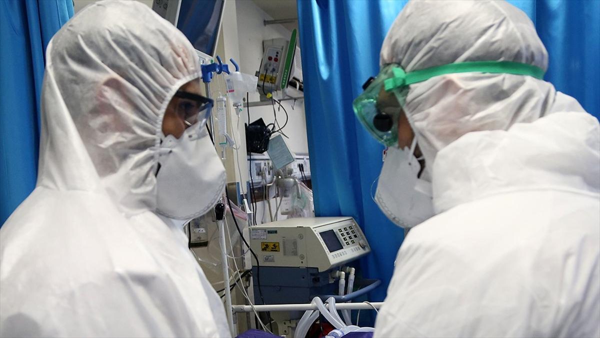 'Koronavirüsün ilk 400 vakasında 15 yaş altı hasta yok'