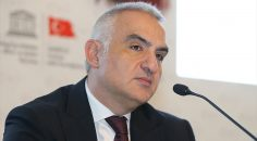 Kültür ve Turizm Bakanı Ersoy: Öngörümüz turizm sezonu mayıs sonuna ertelenecek
