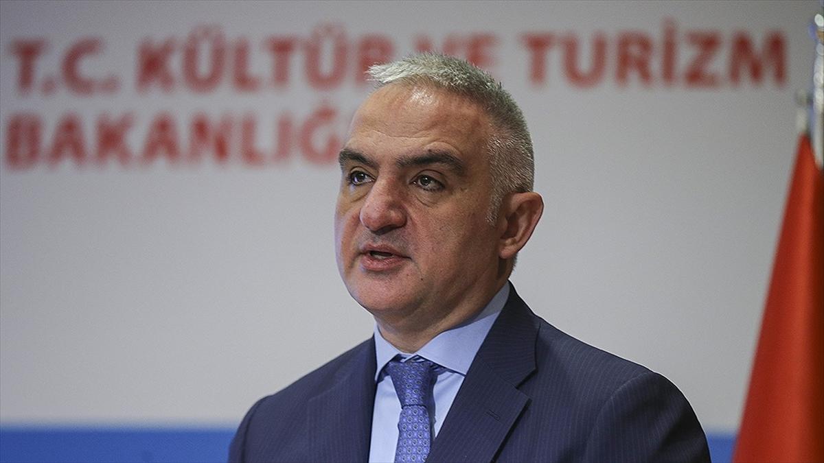 Bakan Ersoy'dan 'profesyonel turist rehberleri için kredi imkanı' açıklaması