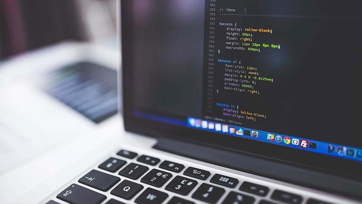 MEB'den lise öğrencilerine 'uluslararası yazılım eğitimi' fırsatı