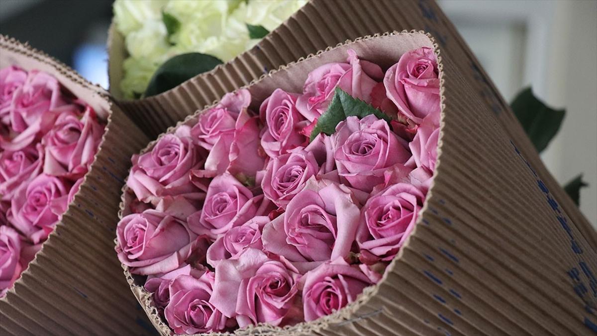 Annelere dezenfekte edilmiş çiçekler hediye edilecek