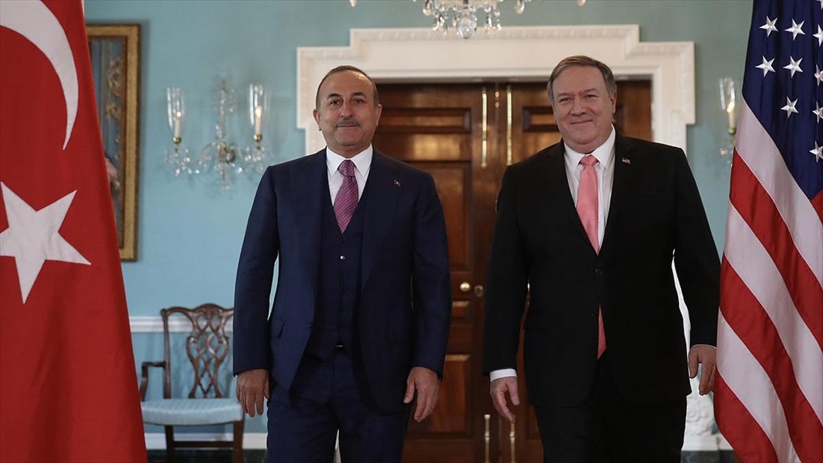 Çavuşoğlu ile Pompeo Kovid-19 ile mücedeleyi görüştü