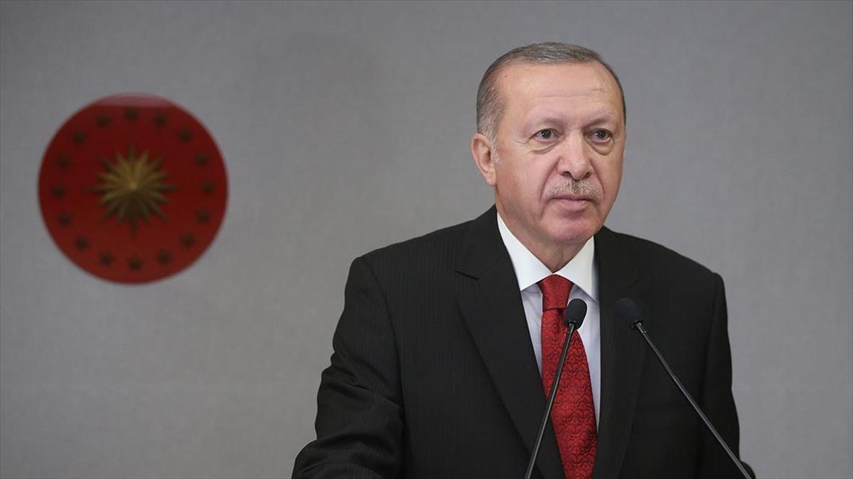 Cumhurbaşkanı Erdoğan şair Cahit Zarifoğlu ve Abdurrahim Karakoç'u rahmetle andı