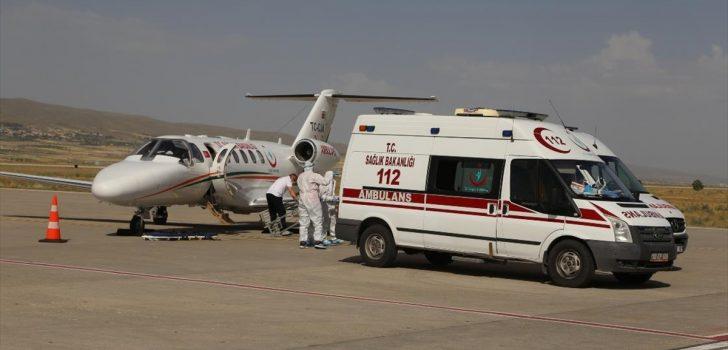 Ukrayna'da merdivenden düşerek yaralanan genç ambulans uçakla Türkiye'ye getirildi