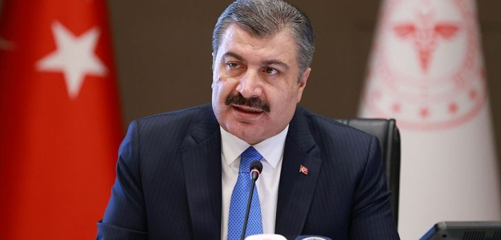 Sağlık Bakanı Koca'dan maske ve eldiven uyarısı