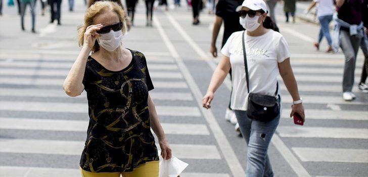 'Sağlığınız için ıslanan maskenizi hemen değiştirin' uyarısı