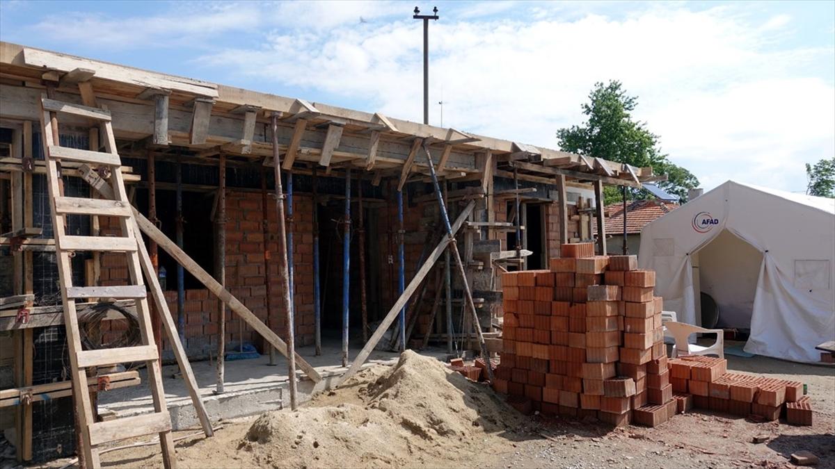 Evleri 4 kez yanan aile devlet desteği ile yeni yuvasına kavuşacak