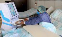 Kovid-19 hastalarının hemşire robotu 'Atacan' göreve başladı