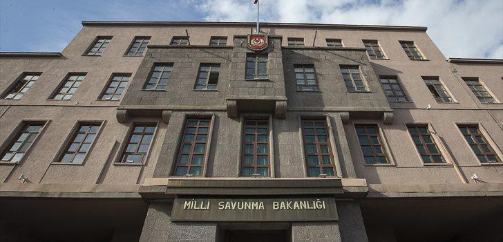 MSB: Yunanistan'ın Selanik kentinde Türk bayrağının yakılmasını şiddetle kınıyor ve lanetliyoruz