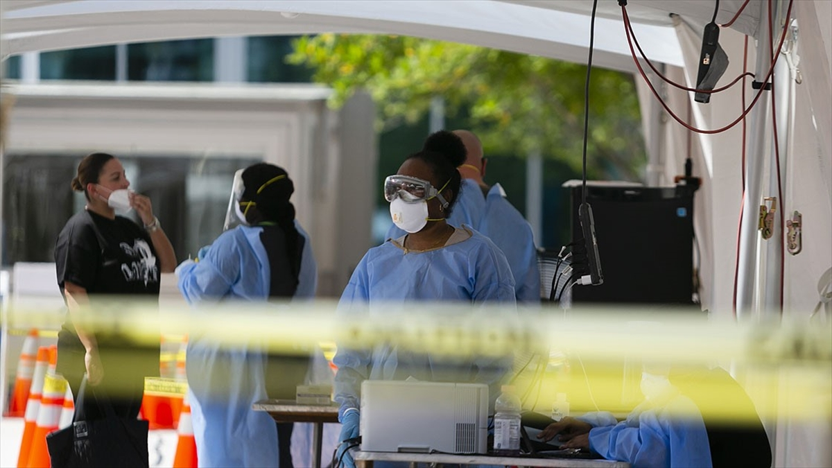 Dünya genelinde Kovid-19 tespit edilen kişi sayısı 22 milyon 602 bini geçti