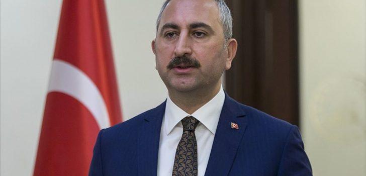 Adalet Bakanı Gül: Baronun illegal ve marjinal yapıların arka bahçesi olması kabul edilemez