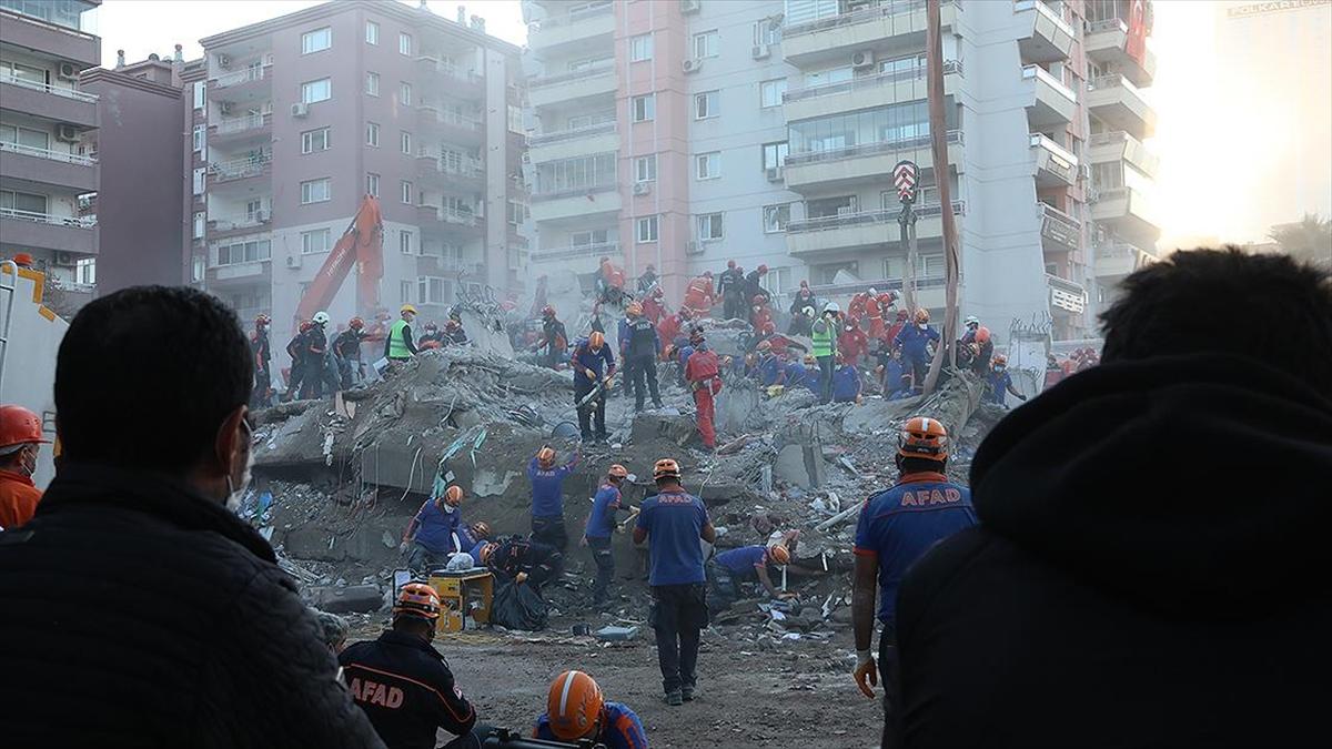 AFAD Başkanı Güllüoğlu: İzmir'de arama kurtarma ekipleri çalışmalarını tamamladı
