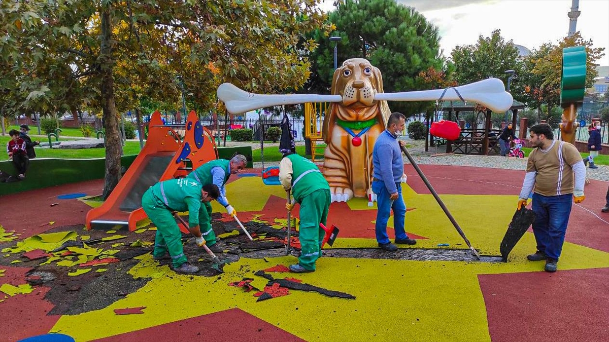 Küçükçekmece'deki parkla ilgili görevden uzaklaştırma kararı verildi