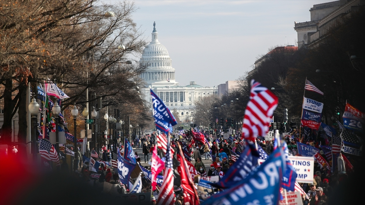 ABD'de Seçiciler Kurulu, başkanı resmi olarak seçmek üzere toplandı