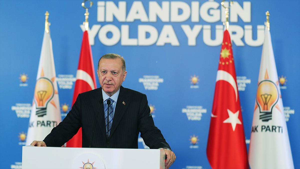 Cumhurbaşkanı Erdoğan: Muhalefetin içine düştüğü çıkmaz bizim sorumluluğumuzu daha da artırıyor
