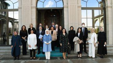 Emine Erdoğan, özel gereksinimli çocukların anneleriyle buluştu