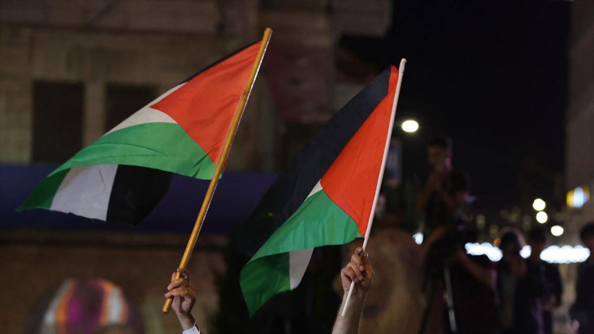 Filistin seçimlerinin ertelenmesi iç bölünmüşlüğü derinleştirecek mi?
