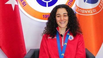 Milli badmintoncu Neslihan Yiğit olimpiyat kotası aldı
