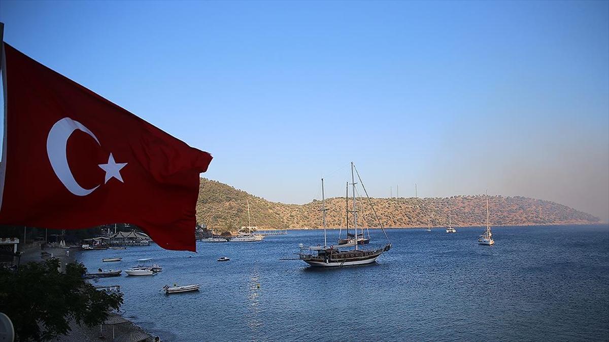 'Sağlıklı ve güvenli' turizmin adresi Antalya ile Muğla'da hareketli bir sezon bekleniyor