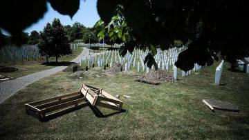 Srebrenitsa soykırımı yüzlerce anne babaya evlat acısı yaşattı