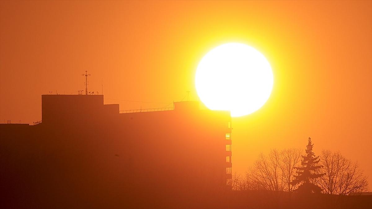 Yüksek hızlı güneş fırtınası bugün Dünya'yı vurabilir