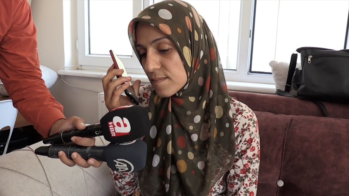 Cumhurbaşkanı Erdoğan, oğlu güvenlik güçlerine teslim olan Diyarbakır annelerinden Ayşegül Biçer ile görüştü