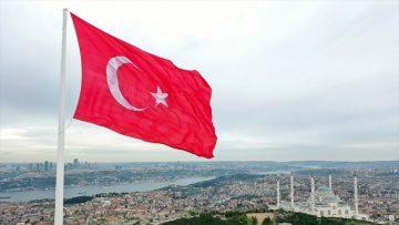 Türkiye'nin en büyük bayrakları İstanbul Boğazı'nın iki yakasında dalgalanacak