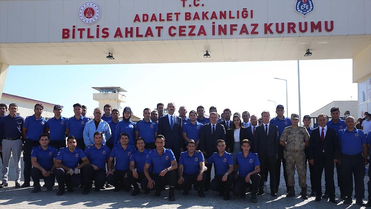 Adalet Bakanı Gül cezaevini ziyaret etti: Personelimize adalet tazminatı anlamında da bir ilave ödeme gelecek