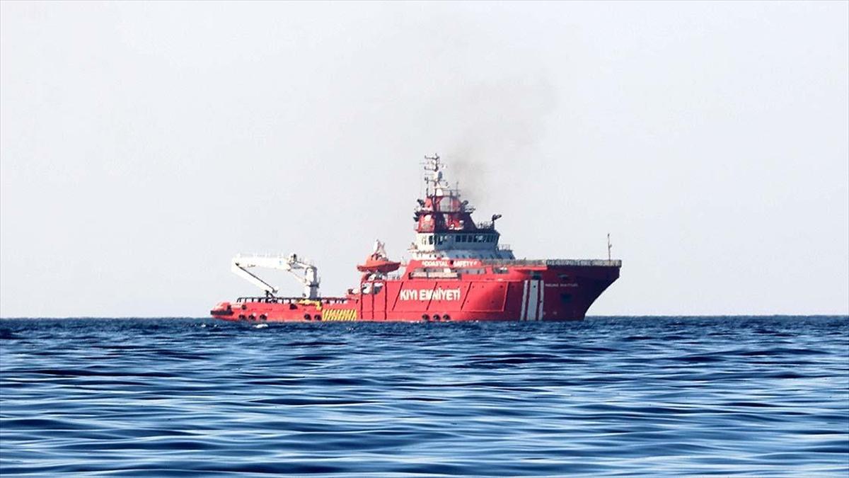Nene Hatun Acil Müdahale Gemisi, Akdeniz'de Suriye kaynaklı petrol sızıntısına ilişkin temizlik çalışmasına başladı